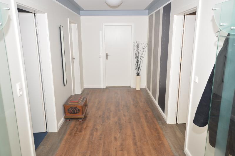 bodenbelaege maler jensen. Black Bedroom Furniture Sets. Home Design Ideas